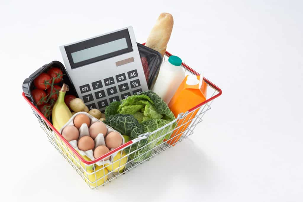 Frugal living tips for grocery shopping
