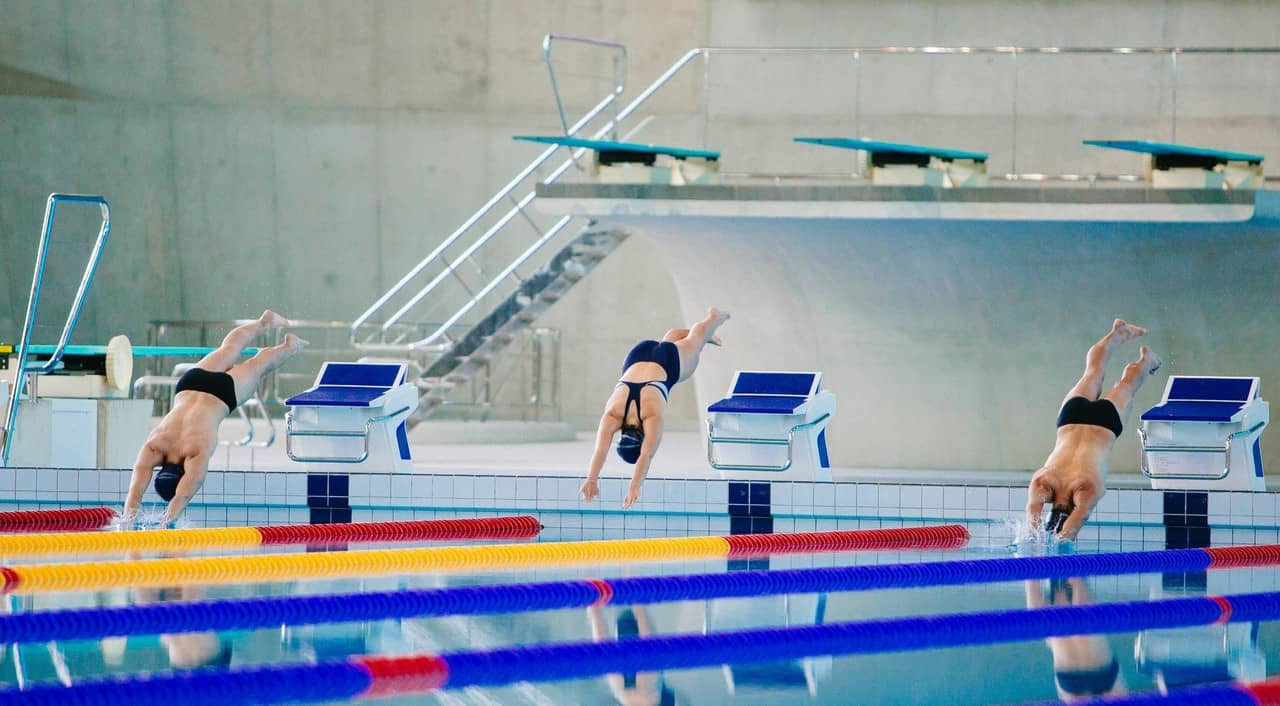 hobbies that make money - swimming